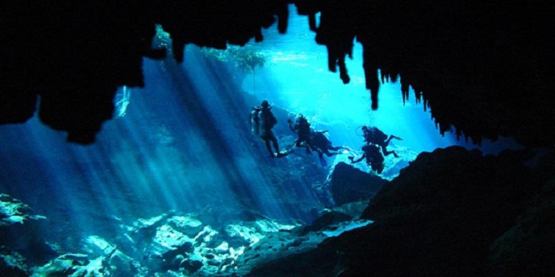 photo hd du site de plongée sous marine Cenote Dos Ojos