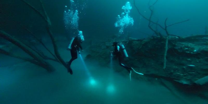 photo hd du site de plongée sous marine Cenote Angelita