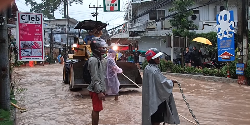 the streets of koh tao destroyed by the flooding
