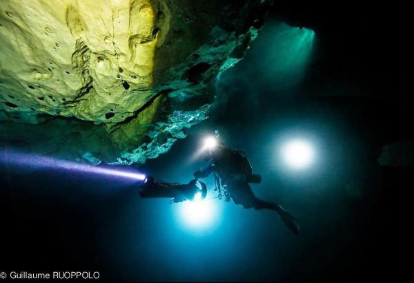 photographie sous marine de nuit