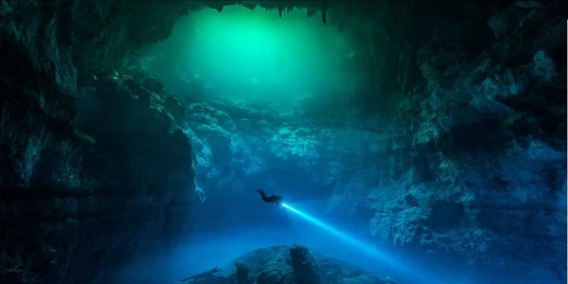 photo hd du site de plongée sous marine Cenote Le Pit